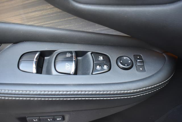 2017 Nissan Murano AWD SL 18