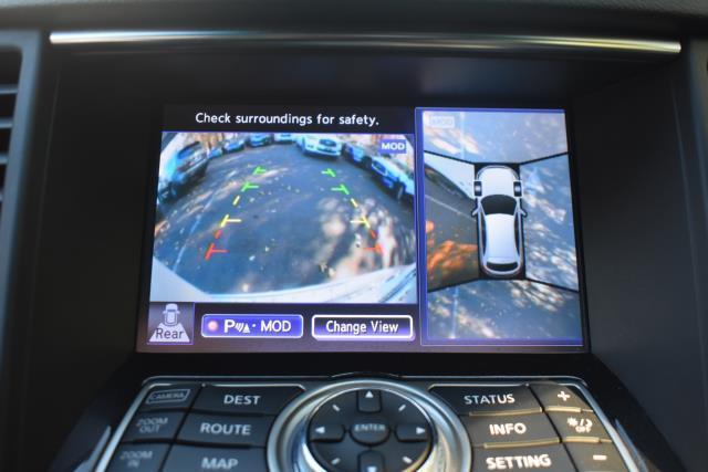 2017 INFINITI QX70 AWD 21