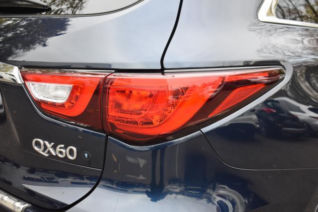 2016 INFINITI QX60 AWD 4dr 10