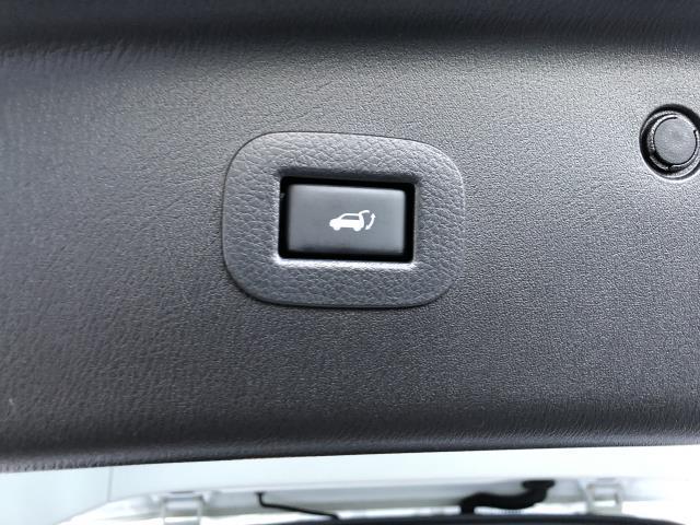 2016 INFINITI QX80 4WD 4dr 8