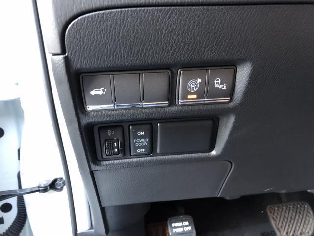 2016 INFINITI QX80 4WD 4dr 18