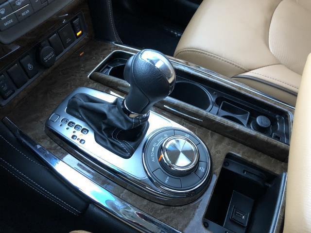 2016 INFINITI QX80 4WD 4dr 28