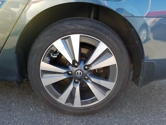 2016 Nissan Sentra 4dr Sdn I4 CVT SL 9