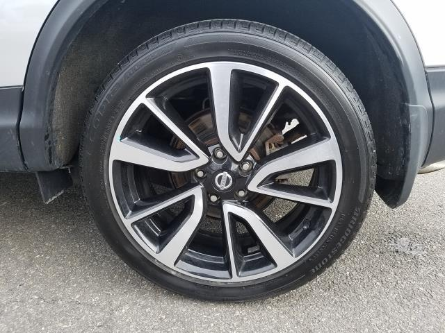 2017 Nissan Rogue Sport SL 10