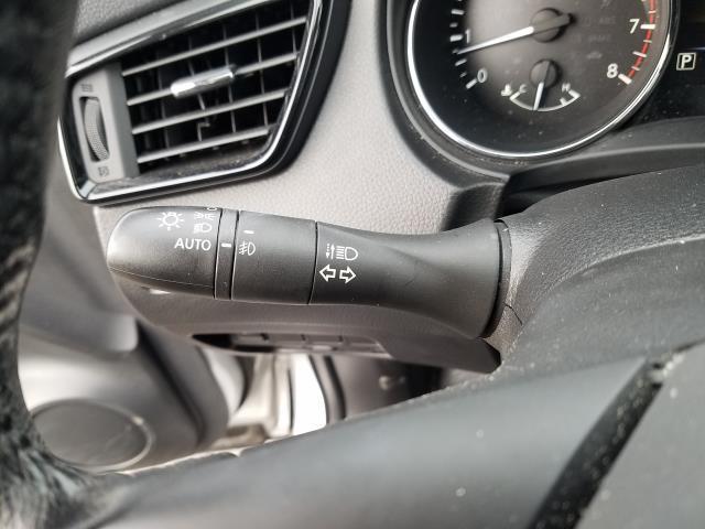 2017 Nissan Rogue Sport SL 22