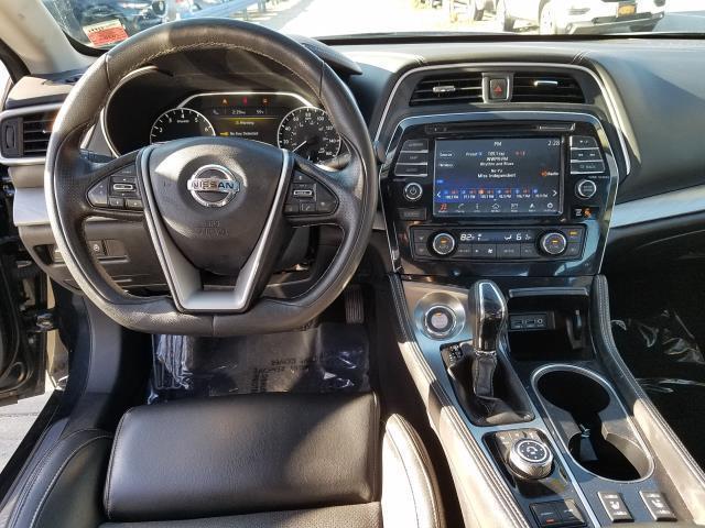 2017 Nissan Maxima SL 13