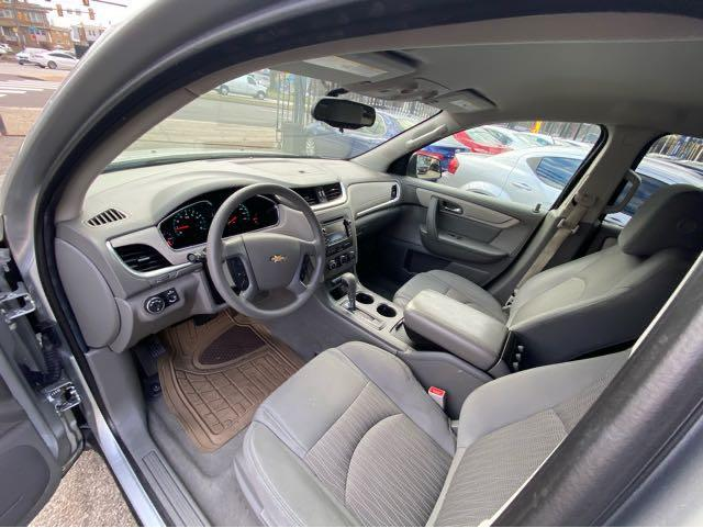 2015 Chevrolet Traverse LS AWD w/PDC