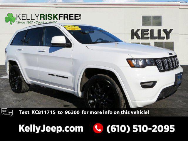 2019 Jeep Grand Cherokee ALTITUDE SUV Slide