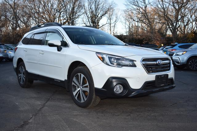 Crystal White Pearl 2019 Subaru Outback LIMITED SUV