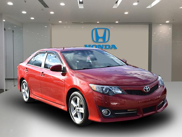 Barcelona Red Metallic 2014 Toyota Camry SE 4dr Car Huntington NY