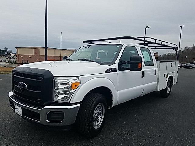 2016 Ford F-250SD XL UTILITY BED 4D Crew Cab Slide