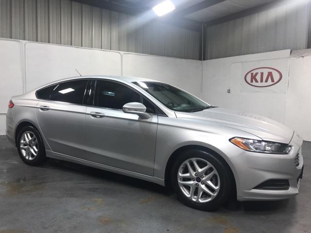 2016 Ford Fusion SE [5]