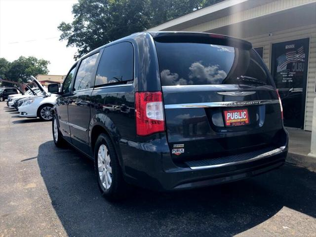used vehicle - Van-Minivan Chrysler Town AND Country 2013
