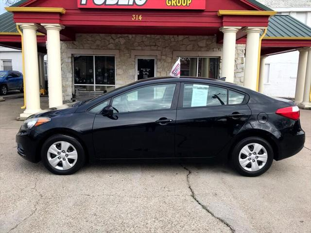 used vehicle - Sedan Kia Forte 2015