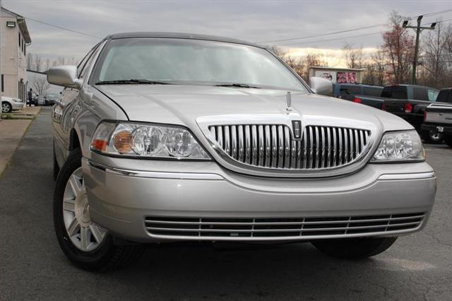 2010 Lincoln Town Car Executive w/Limousine Pkg for sale in Fredericksburg, VA