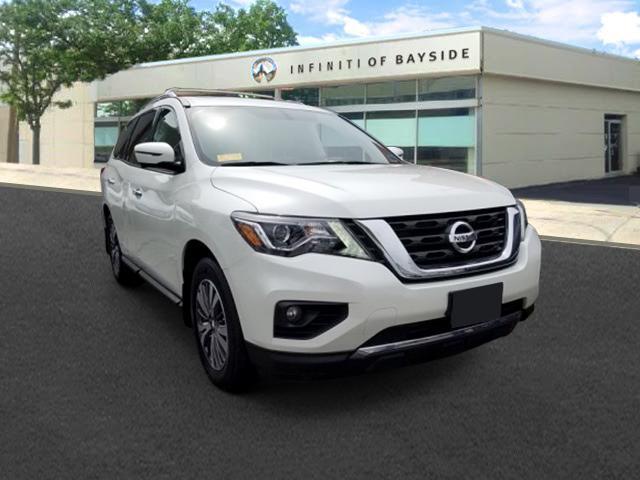 2017 Nissan Pathfinder SL [2]