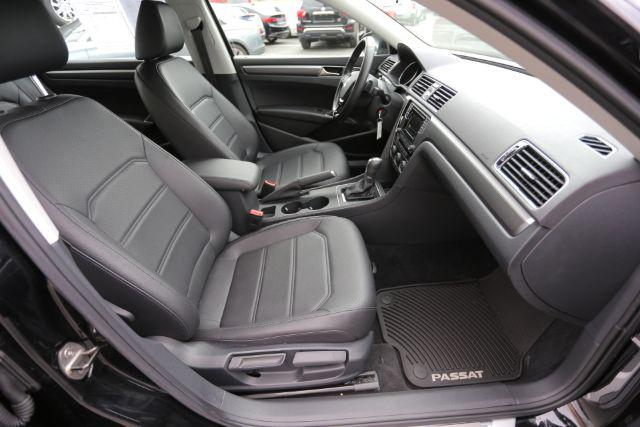 2016 Volkswagen Passat 1.8T R-Line w/Comfort Pkg