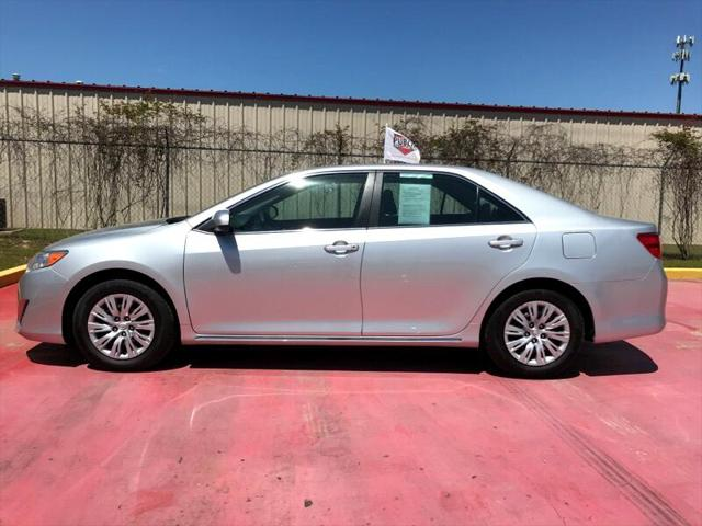 Used Toyota Camry 2014 MT. PLEASANT L