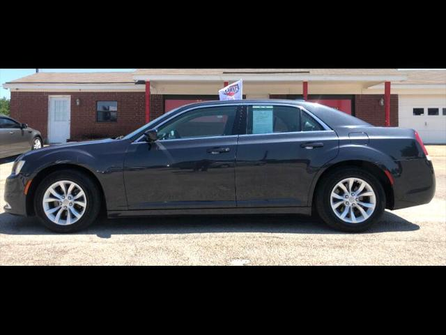 Used Chrysler 300 2015 WACO LIMITED