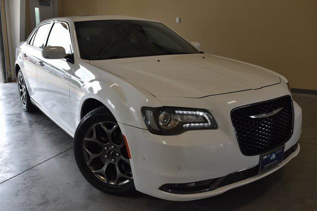2016 Chrysler 300 300S [19]