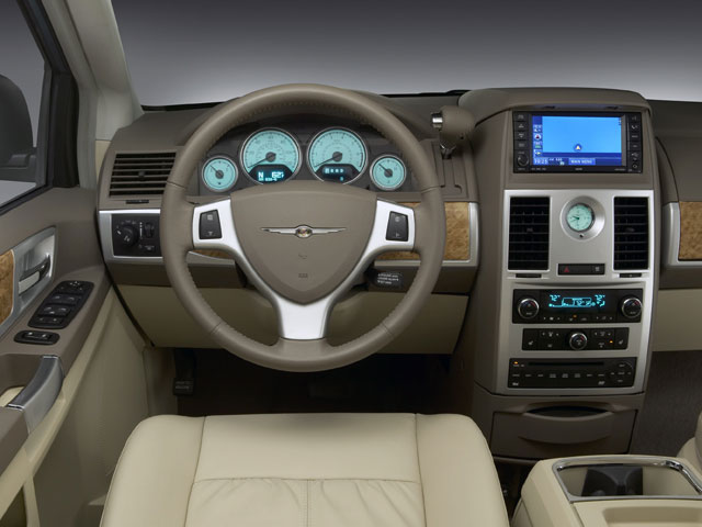 2009 Chrysler Town & Country Touring for sale in Knoxville, TN