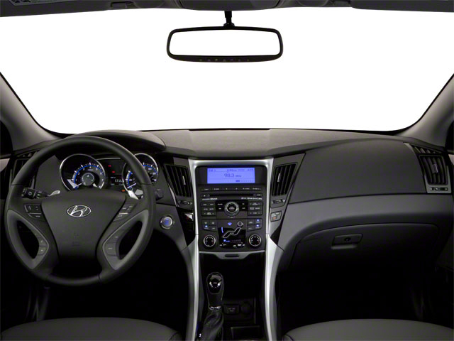 2011HYU006a 640 12 - 2011 Hyundai Sonata Limited Pzev
